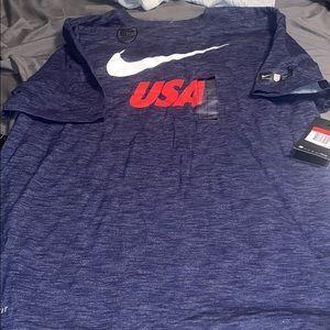 Men's Nike USA shirt large